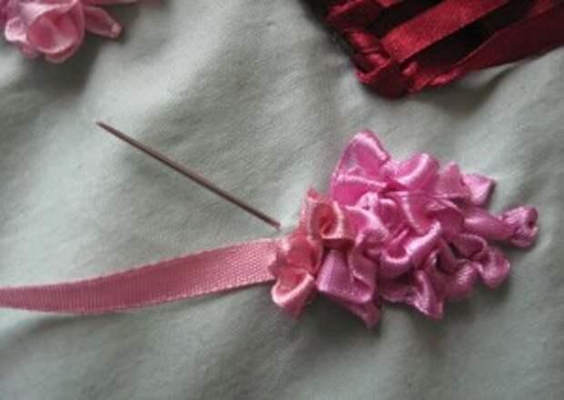 Урок объемной вышивки лентами для начинающих
