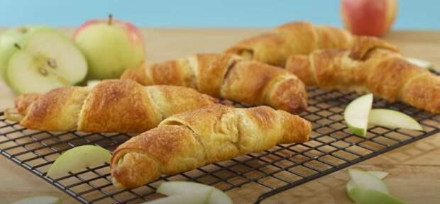 Вот обалденный рецепт яблочных рогаликов, которые можно есть даже на диете!