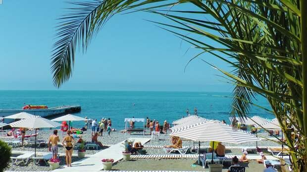 В Сочи откроют первые пляжи к началу майских праздников