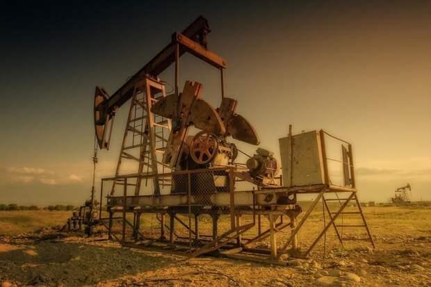 США и курды договорились о модернизации нефтяных месторождений в Сирии