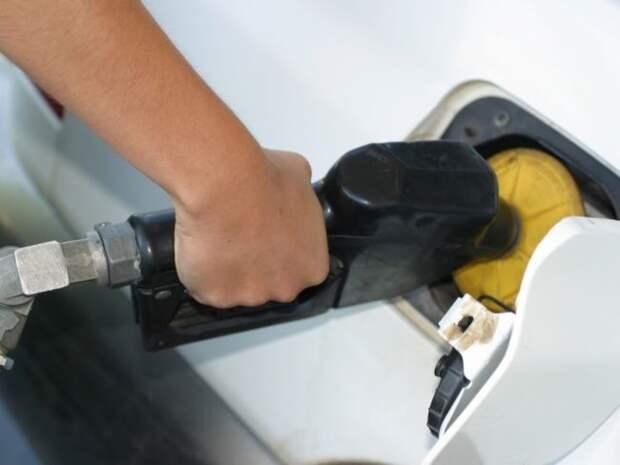 Рост цен на бензин зафиксирован почти в 40 российских регионах