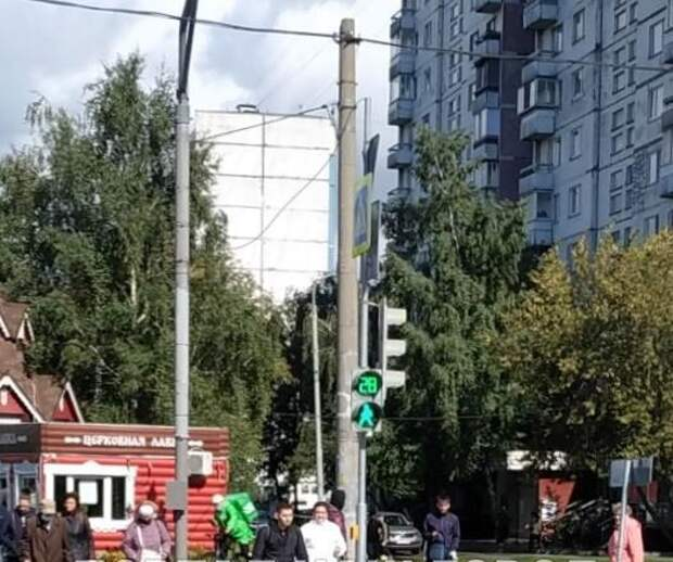 На Енисейской отремонтировали светофор