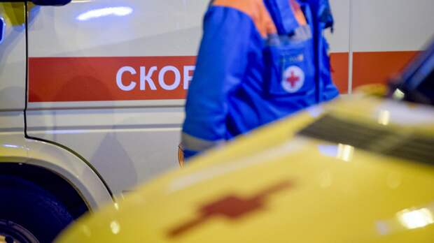 Маленькая девочка выпала с высоты третьего этажа в Подмосковье
