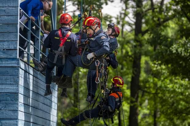 В Москве определят лучшую команду в спасательных работах на высоте