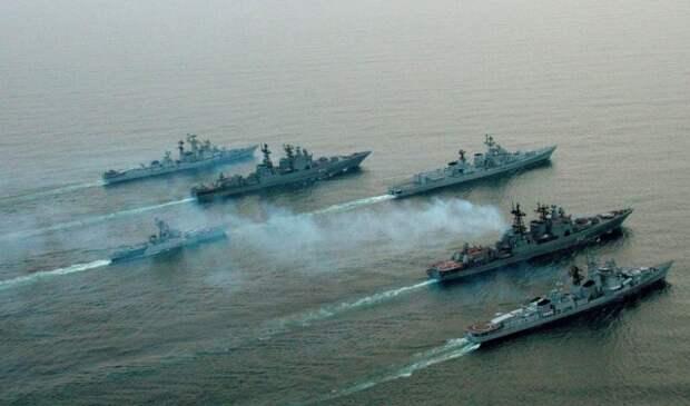 Политолог раскрыл причины западной истерики вокруг российской эскадры