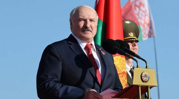 «Совбез - это не одни силовики»: президент республики уточнил резонансный декрет о передаче власти