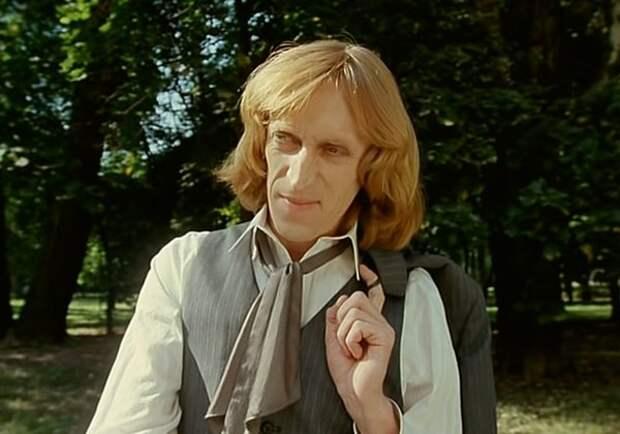 Кадр из фильма «Господин Оформитель», 1988 г.