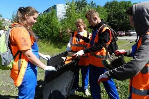 Почти восемь сотен камчатских подростков поработают этим летом