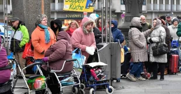 Может хватит врать о процветающих пенсионерах Запада?!