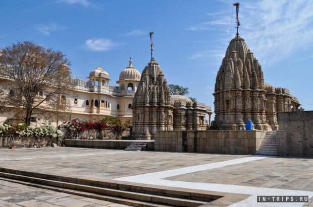 Храмы и дворцы в форте Читторгарх