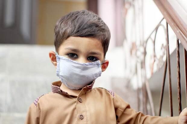 Названы симптомы «британского» штамма коронавируса у детей