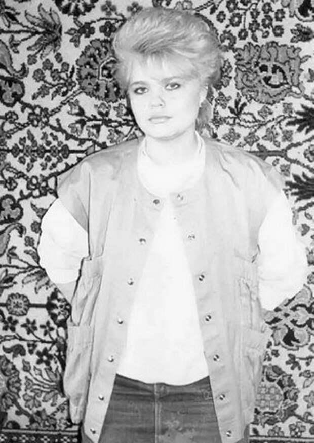 черно-белое фото, начало 90-х фото:открытый источник