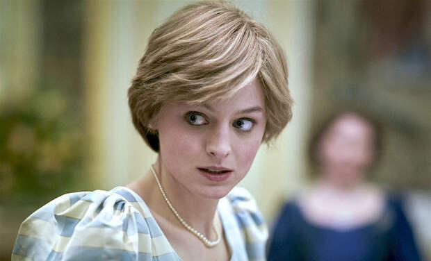 """Эмма Коррин рассказала, как готовилась к роли принцессы Дианы: """"Она хотела заботы и принятия"""""""