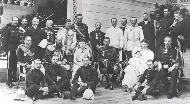 С королевской семьёй Греции