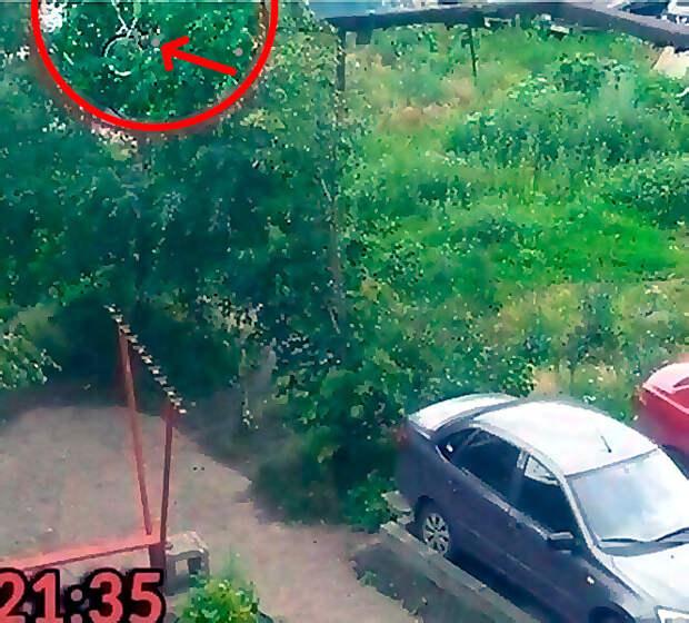 10 Самых неожиданных случаев с автомобилями на парковке
