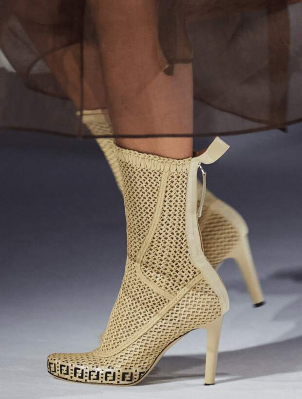 Модные летние ботинки 2021: самые актуальные новинки для жаркого сезона