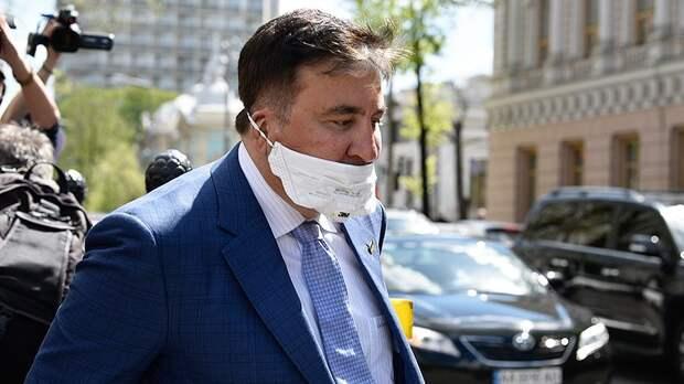 Неизвестный с заточкой напал на Саакашвили