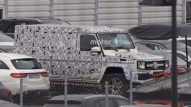 «Гелик» Maybach: громадный Mercedes-Benz G-класса заснят впервые
