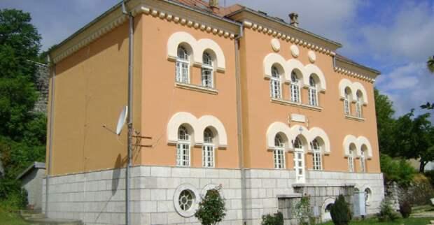 Черногорские националисты напали на семинарию СПЦ в Цетине