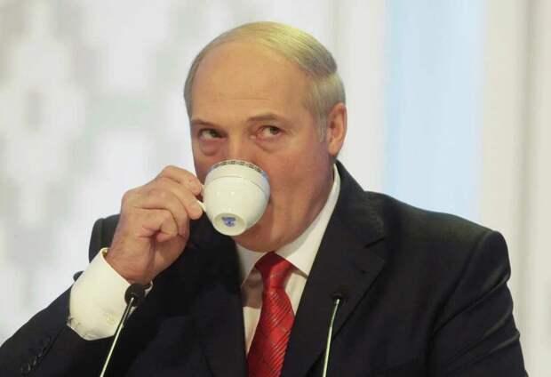 Лукашенко окончательно выпал из реальности