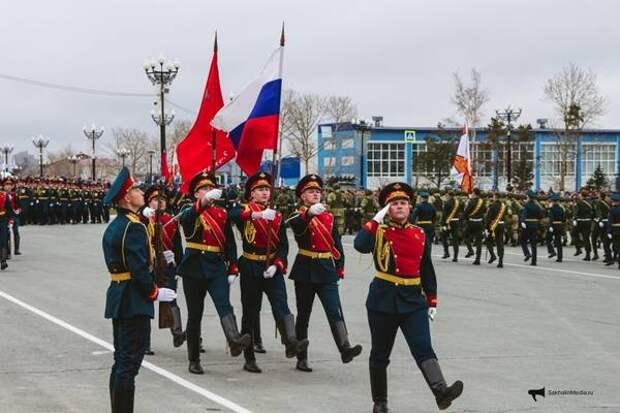 Праздничный парад в честь 76-летия Великой Победы прошел в Южно-Сахалинске