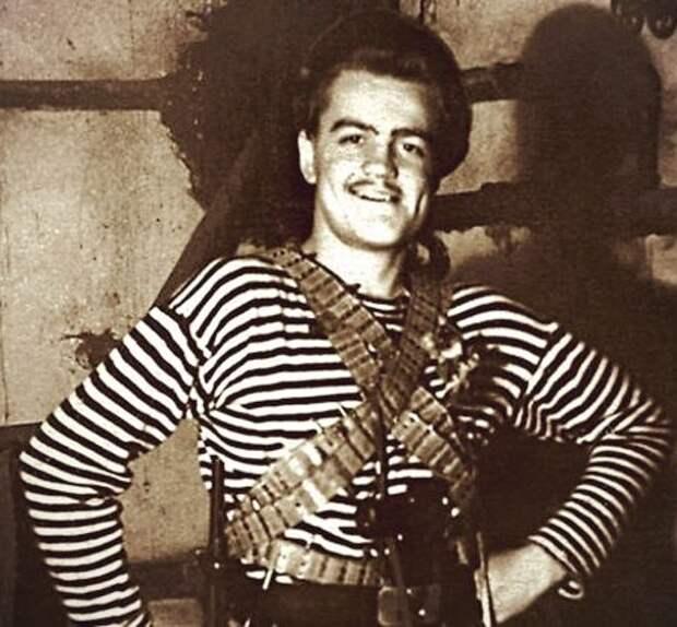 """Леонид Кулагин в театре (1957 г, фото: """"7дней.ру"""")"""