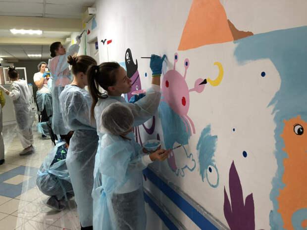 Волонтёры Сарапула раскрасят коридоры детских больниц
