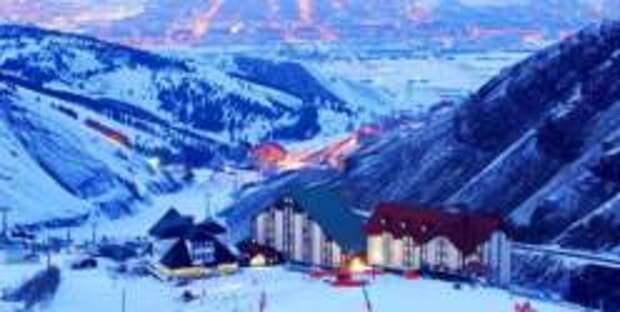 Пять правил для отдыха на горнолыжном курорте во время COVID-19