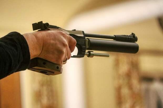Пьяные симферопольцы выстрелили девушке в глаз из пневматического пистолета