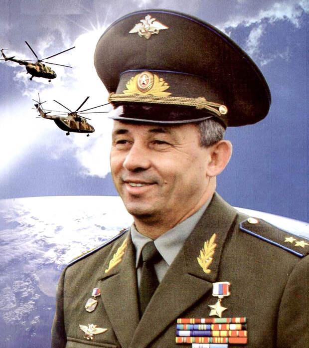 Начальник Управления авиации ФСБ России Николай Гаврилов