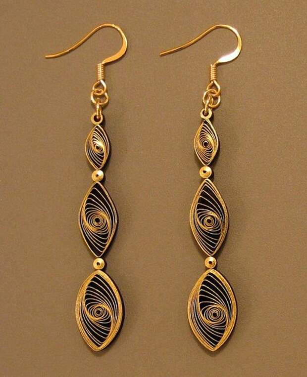 Quilled Gilded Earrings Tutorial by all things paper, via Flickr