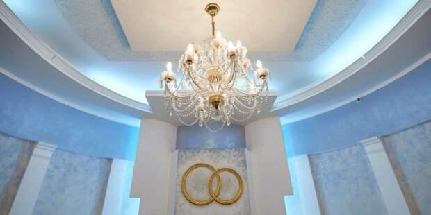 Собянин оценил итоги капремонта Дворца бракосочетаний на Бутырской улице. Фото: М. Денисов mos.ru