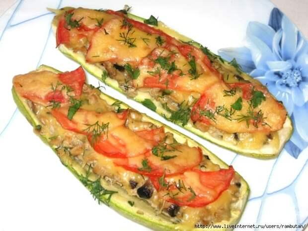 Фаршированные сосисками кабачки. Вкусная закуска под сырной корочкой 2