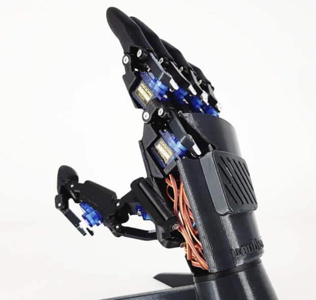 https://s.hi-news.ru/wp-content/uploads/2019/06/hand_drone_one-750x713.jpg
