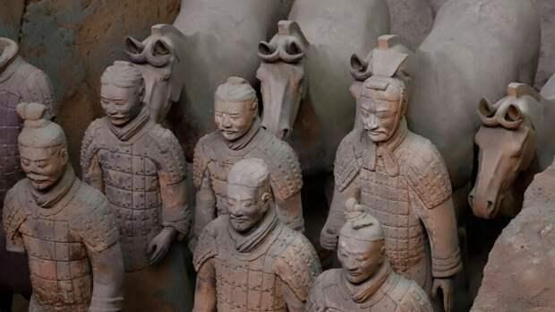 Терракотовая армия — одна из самых загадочных и впечатляющих достопримечательностей планеты