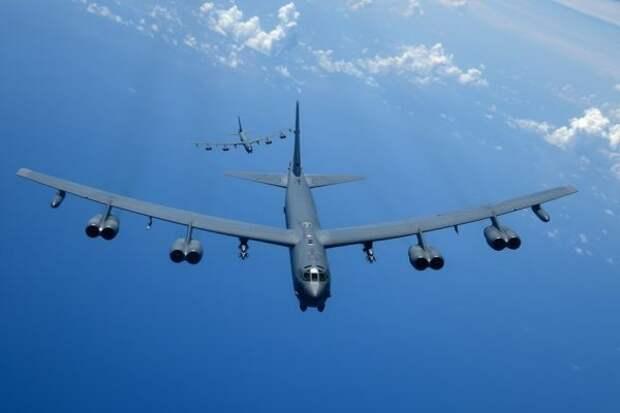 Стратегические бомбардировщики США «прописались» в небе Украины