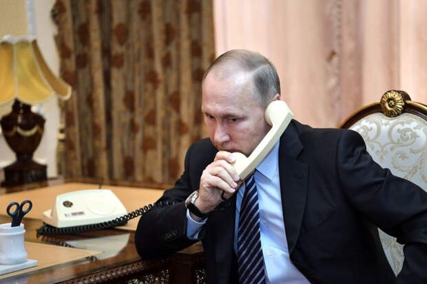 Президент РФ провел телефонный разговор с королем Саудовской Аравии