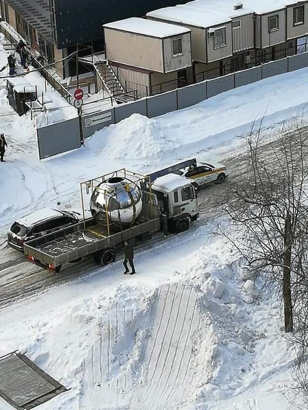 Сферы для вестибюля станции «Марьина роща» БКЛ привезли на стройплощадку