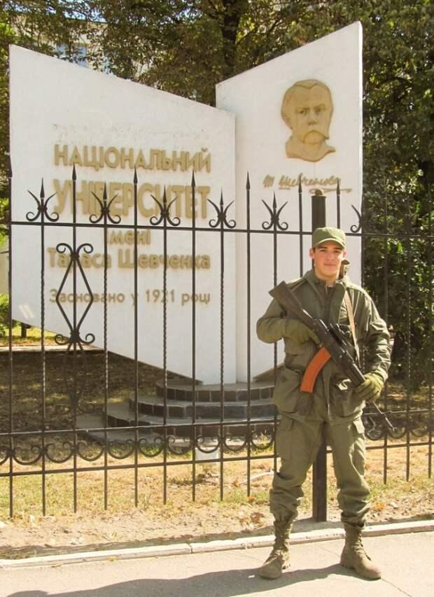 Боец ДНР: у нас нет ненависти к армии Украины. Солдаты ВСУ заложники Порошенко.