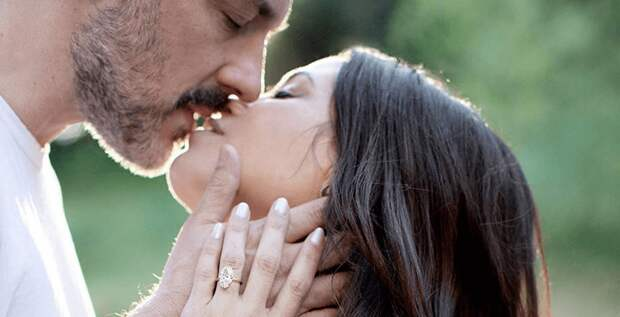 Дженна Деван показала помолвочное кольцо с большим бриллиантом