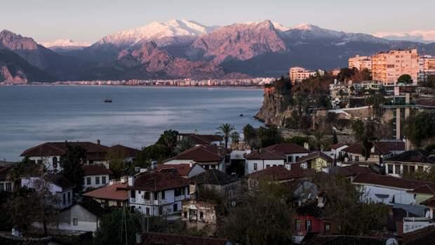 Застрявших в Турции россиян предложили вывозить за 10 тысяч рублей