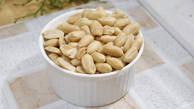Диетологи назвали недооцененную пользу арахиса для здоровья