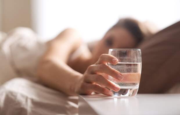 Вода натощак – в чём польза пить c утра?
