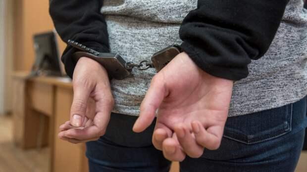 Директор школы в Ставрополье заплатил девочке-подростку за интим