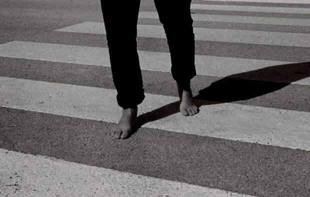 slide-2-shoes-slip-off