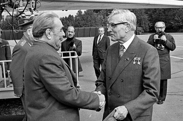 «Это было бы страшно»: кто в СССР боялся прихода Суслова к власти