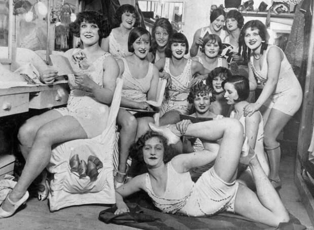 7 исторических фото самого известного кабаре в мире «Мулен Руж»