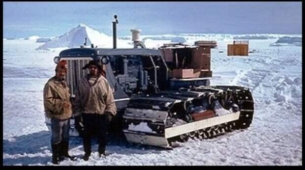 Советские тракторы «Сталинец» в Антарктиде