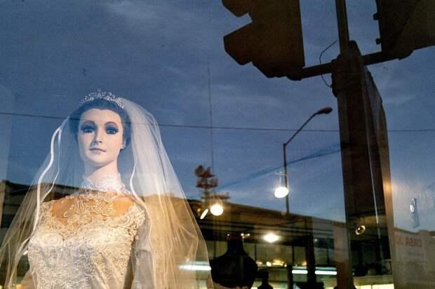Магазин свадебных платьев мертвой невесты