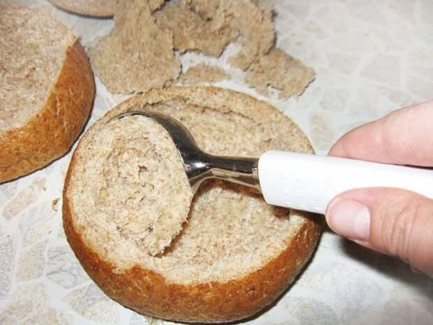 Фото рецепта - Чешский картофельный суп пюре в хлебе - шаг 2